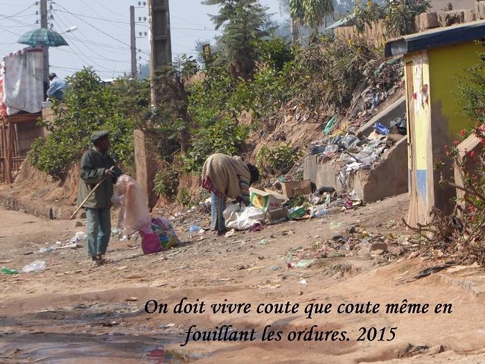 humanite-madagascar-2015-visages-paysages-fouilles-ordures