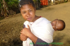 humanite-madagascar-2013-visages-paysages-mere-enfant