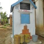 humanite-madagascar-2013-brousse-adduction-d-eau-bornes-fontaines