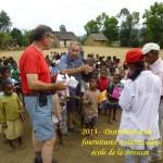 humanite-madagascar-2013-ecoles-distribution-fournitures-scolaires