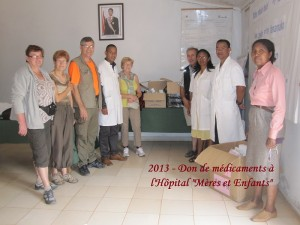 humanite-madagascar-2013-hopital-dons-medicaments