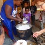 humanite-madagascar-2016-orphelinat-repas