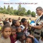 humanite-madagascar-2017-ecoles-ballon