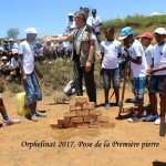 humanite-madagascar-2017-orphelinat-pose-premiere-pierre